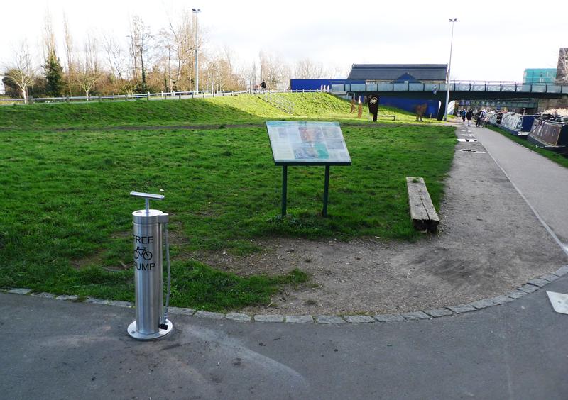 Public Bike Pump Cyclehoop